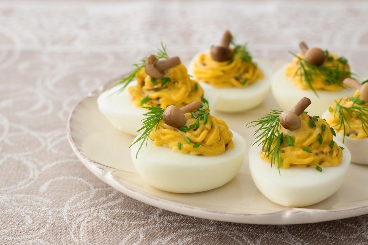 huevos-rellenos-de-setas
