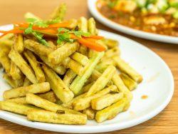 palitos de berenjena en tempura