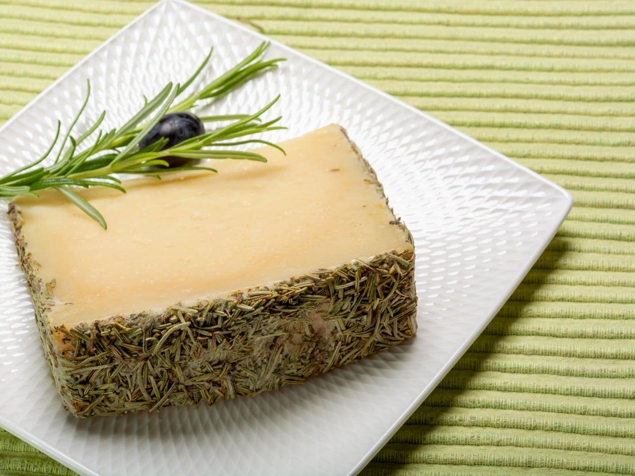 queso viejo de oveja